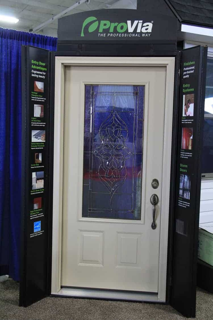 Provia Display Door